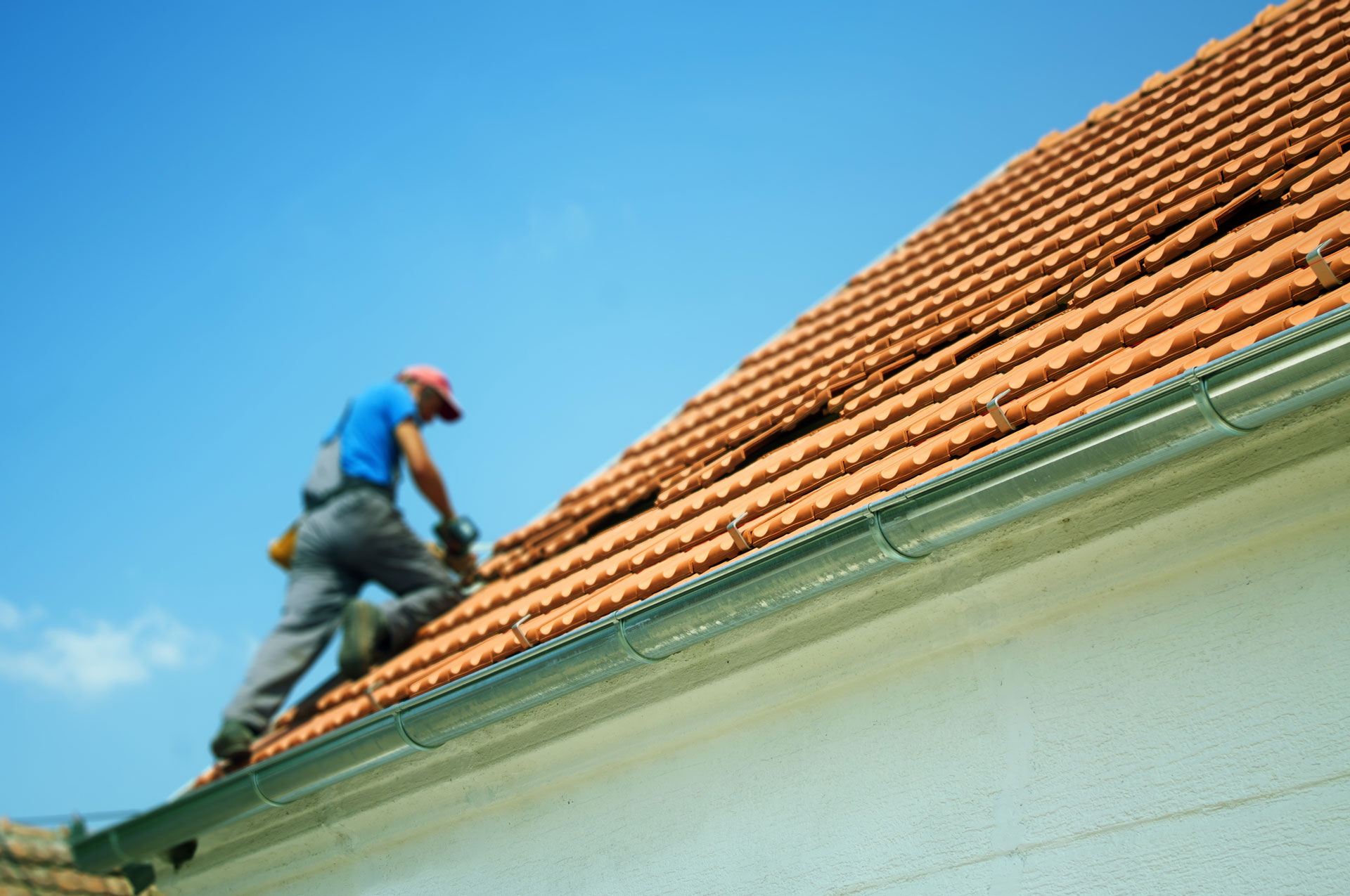Should You Get Your Roof Repaired Before You Sell?